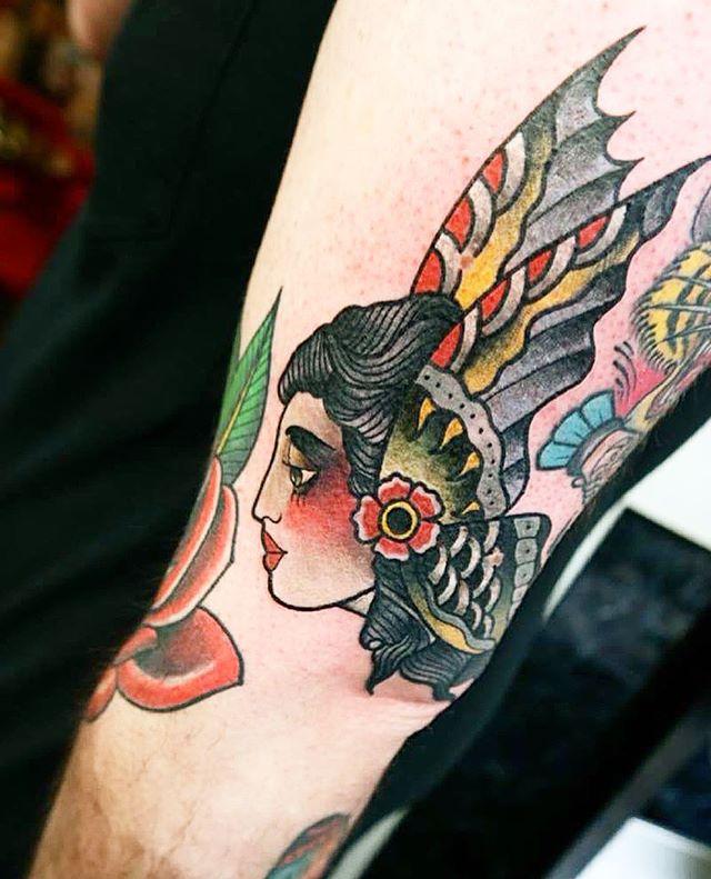 naiomitattoo studioxiii colorful traditionalcolors tattoocolor taditionaltattoo tattoolifemagazine @tattooselection @tattoolifemagazine @tattoodo @radtattoos @thinkbeforeuink @insigniatattoo