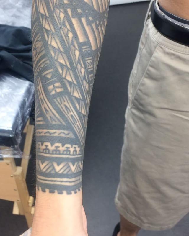All done on Robert. Thank for the travel and trust bro! Soundtrack courtesy of homeboi  @borisbianchi @studioxiiigallery studioxiii marcdiamond polynesian polynesiantattoo tribal edinburghpolynesian edinburghtattoo