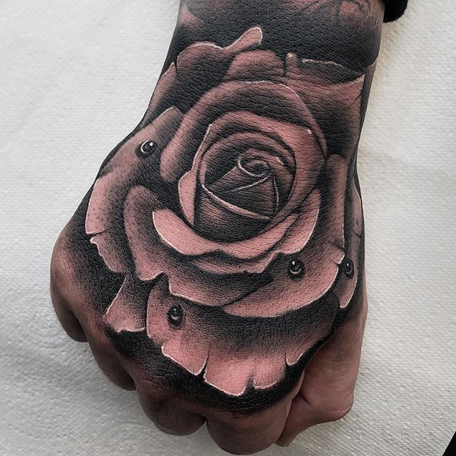 Rose from today edinburgh edinburghtattoos tattoo tattoos tattoosnob tattooed tattooink tatted tattooer tattooflash tattooart tattooist tattooing tattoolove ink inked inkaddict follow followme instart instatattoo newtattooworkers studioxiii rose handtattoo tats