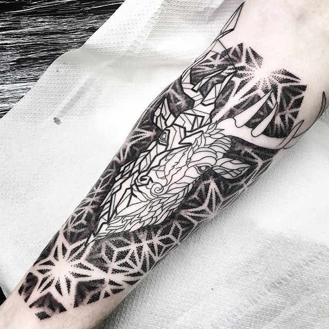 geometricstag to start a sleeve for Callum @studioxiiigallery studioxiii blacktattooing geometrictattoo dotwork dotworktattoo sacredgeometry girlswithtattoos uktattooartist @blackclaw @allegoryink