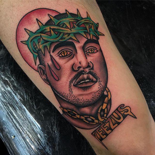 I am a god. Cheers bro!_________________ Done at @studioxiiigallery _________________ studioxiii BlackClawUK blackclawneedle tradtattoo tradworkers tradworkerssubmission radtrad oldlines besttradtattoos uktta vladbladirons ninemag @gap_filler_tattoos kanyewest kimkardashian kanyewesttattoo thekardashians