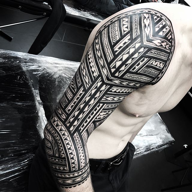 Matthew's sleeve all done. Off on holiday for a week 🌞🏖 see u soon xxx . . . @studioxiii studioxiii edinburghpolynesiantattoo edinburghpolynesian edinburghtattoo edinburghtattooartist tribal polynesian inspired designs by marcdiamond polynesiantattoo