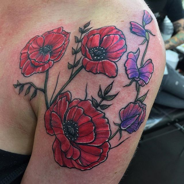 Some colourful wild poppies (with smaller leaves on request) and some sweet peas for the lovely Stacey, thanks lady ️ tattoo ladytattooer edinburghtattoo femaletattooartist tattooartist tattoodesign picsoftheday picoftheday ladytattooers bestoftheday newschooltattoo photooftheday girlswithtattoos studioxiii colourtattoo tattoo_artwork artcollective tttism topclasstattooing instatattoos illustrationtattoo colourtattoo londontattoo art scottishtattooartist cutetattoo botanical sweetpea poppies flowers
