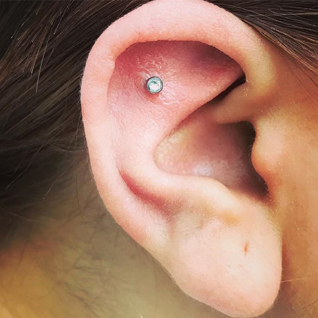 Sweet little outer conch piercing studioxiii piercing piercings piercer labret scottishpiercer edinburghpiercer piercingaddict piercingsofinstagram instapiercing girlswithpiercings piercingsandtattoos titanium outerconch crystal sparkle