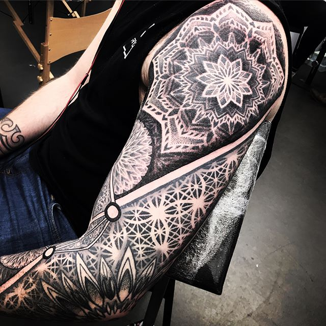 When a journey like this comes to an end it is truly rewarding. So very grateful to Sean for this opportunity  Thank you brother . . . . blacktattooing geometrictattoo blackworkers dotwork dotworktattoo blxckink sacredgeometry girlswithtattoos uktattooartist  mandala studioxiii . . @allegoryink @inkedmag @totaltattoo @tattoolifemagazine @tattooartistmagazine @tattoosnob @tattoodo @tttism @blackworkers @blackworkers_tattoo @uktta @darkartists @skinart_mag @tattoo.artists @theartoftattoos @dermalizepro @tattoosmart @tattoo_composition @tattooloversshop  @blacktattooing @inkedsociety88 @skinart_collectors @tattoo_collector @the.best.tattoo.page @tattooloveart @bngworldwide @studioxiiigallery @blackclaw @sacredgeometrytattoo