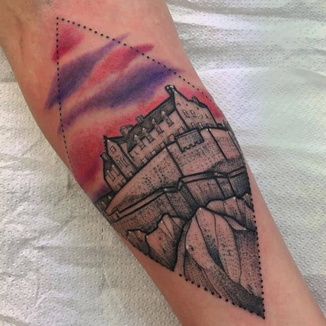 Beautiful Edinburgh castle on a beautiful Edinburgh lady! ️ tattoo ladytattooer edinburghtattoo femaletattooartist tattooartist tattoodesign picsoftheday picoftheday ladytattooers bestoftheday newschooltattoo photooftheday girlswithtattoos watercolour reading tattoo_artwork watercolortattoo tttism topclasstattooing instatattoos geometric colourtattoo londontattoo art scottishtattooartist cutetattoo watercolourtattoo studioxiii edinburghcastle castle