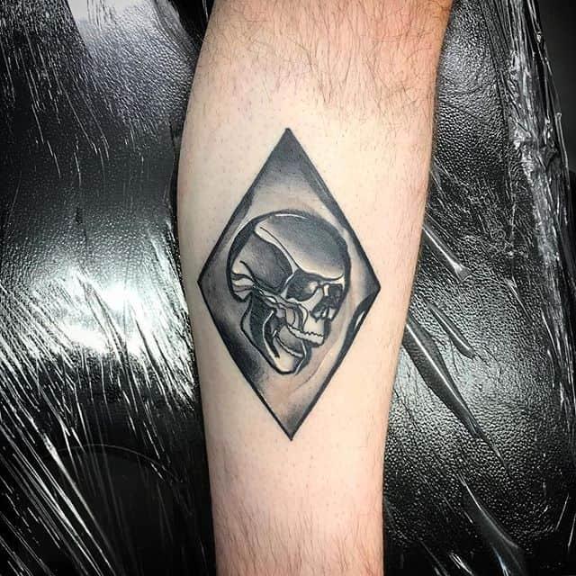 HEALED OI . . On my Max G @cammycochrane thanks heaps bro!!! blacktattoos black tattooing tattooart skull tattooing tradsub radtrad traditionaltattoos neotraditionaltattoos discoflash oldlines guyswithtattoos girlswithtattoos design designer wip edinburgh edinburghtattoo tattoosandflash blackandwhite blackandgreytattoo blackworktattoo btattooing bnginksociety blacktraditional studioxiii tattooartistmagazine @blackworkers_tattoo @blackworkers @blacktattooing @edinburghtattoos . . . . . bobfreehug