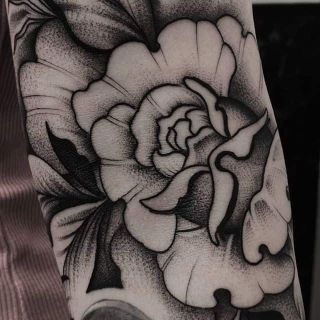 Close-up of a freehand rosetattoo i did.:) studioxiii detailedart detailshot besttattoos rosetattoos inkspiration inkdup blackworknow blackworksubmission blackworkers linework blackink dotworktattoo dotworkers tttism tattrx tatts armtattoo scotland edinburgh wheretheytatt bishop tattoolifestyle
