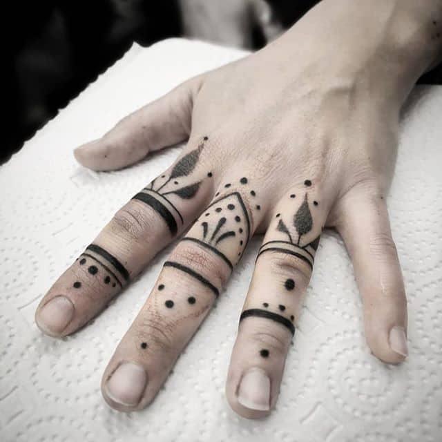 Got to do some sweet freehand mehndi finger tattoos in switzerland :) . .now booking . . fribourg 24-26 . iceland 31-2 june . miami 10-18 . New York 19-26 . . studioxiii kingpintattoosupply  dotwork tattoosuppliesUK  geneva montreux  Iceland  blackworkers blxckink tattoodo tttism totaltattoo tattoolife mandala