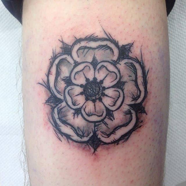 Tatted a fellow child of Yorkshire today. Thank you Will! :) sketchytattoo yorkshirerosetattoo yorkshirerose studioxiiigallery studioxiii