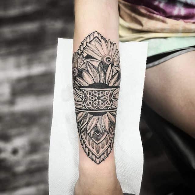 blackwork daisy and sunflower mandala tattoo I was able to do over @tattoolicious_hawaii in honolulu Hawaii . . .  kingpintattoosupply studioxiii tattoosuppliesUK newyorktattoo miamitattoos miamitattoo newyork Miami miamitattooartist