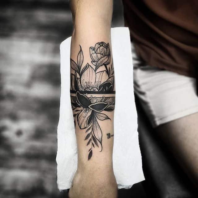 blackwork Lotus tattoo I was able to do over @tattoolicious_hawaii in honolulu Hawaii . . . studioxiii tattoosuppliesUK kingpintattoosupply newyorktattoo miamitattoos miamitattoo newyork Miami miamitattooartist