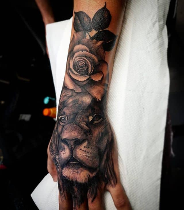 🖐🦁 . . . . . . tattoo lion liontattoo rose handtattoo studioxiii tattooartist tattooartistuk edinburgh ink tattoos inked tattooed picoftheday art love pic photooftheday photo blackandgrey blackngrey instagram artist design tattooer