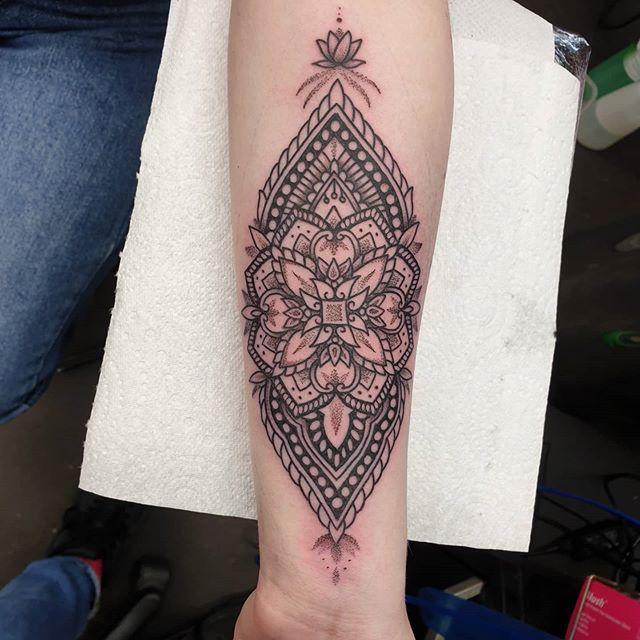 Ornamental number for Laura from the other day thanks again had a blast making this done @studioxiiigallery ornamentaltattoo mandalatattoo dotworktattoo lineworktattoo dotworkmandala blackwork ornamentalblackwork tattoos edinburghtattooer edinburgh scottishtattooing scottishtattooer scotland studioxiiigallery studioxiii tattoosbyalanross alrosstattoo