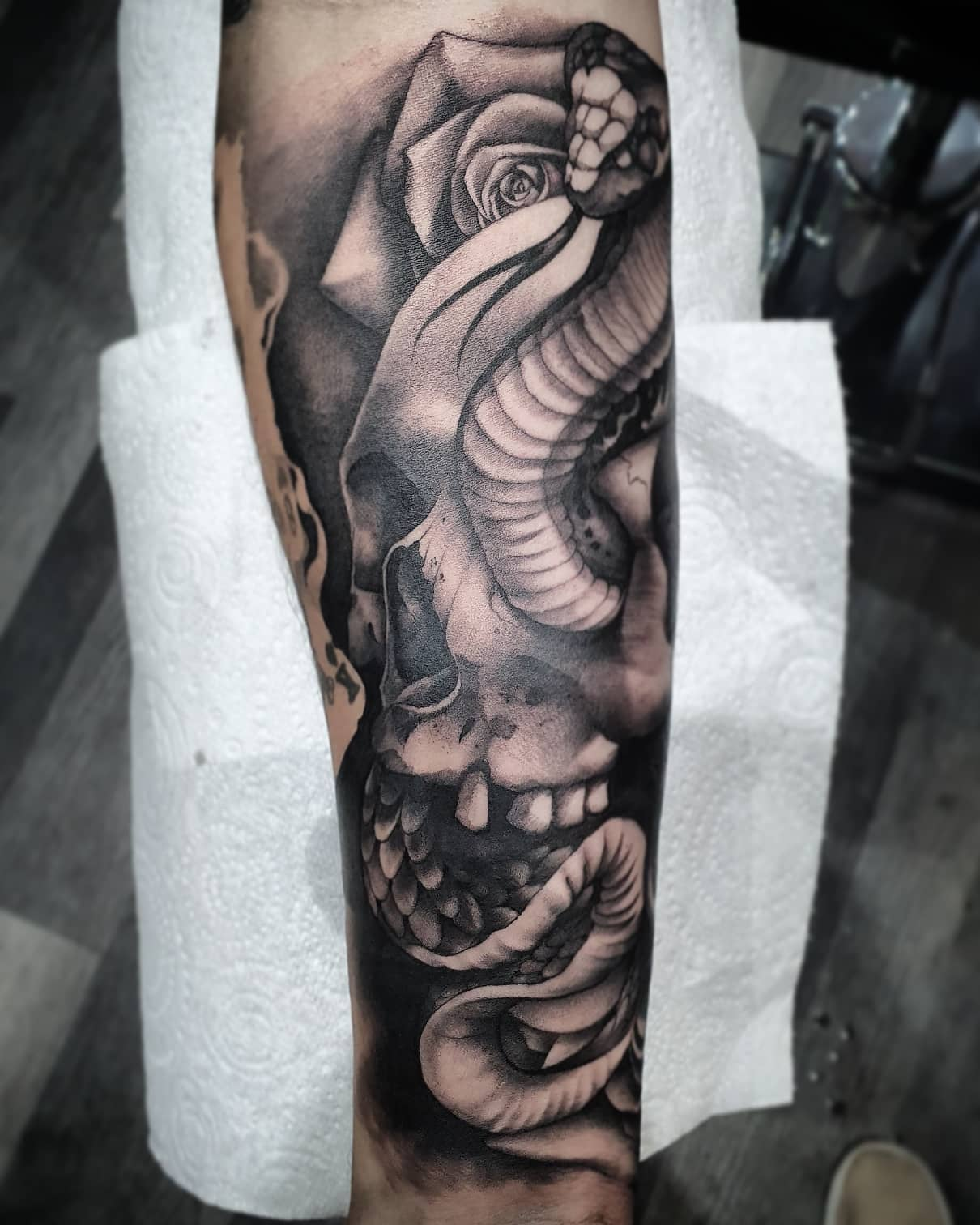 Until next time @vidalocatattoobolton 🏻 _______________________________ tattoo artdriven stencilstuff edinburghtattooartist studioxiii silverbackink btattooing onlythedarkest tattooartist tattooartistuk edinburgh ink tattoos inked tattooed picoftheday art love pic photooftheday photo blackandgrey blackngrey instagram artist design tattooer