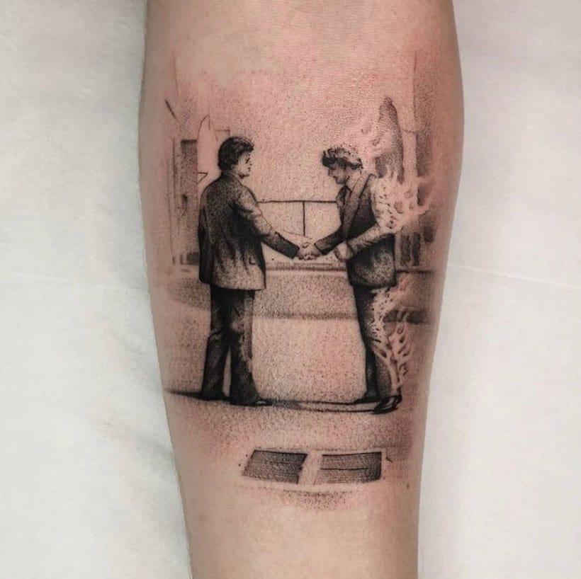 Wish you were here...  Little Pink Floyd tribute from the ever amazing @vik_b_tattooer  _________________________________________  studioxiii tattoos tattooed tattooflash blackworkers bandg realism realistictattoo skull skinartmag skulltattoo lion liontattoo tattooartist edinburghtattooartist edinburghtattoo girltattoo blackclaw uktta ttt eztattoocartridges ukbta skindeep txtooing tattoomediaink thebesttattooartist tattoosnob tattooartistic