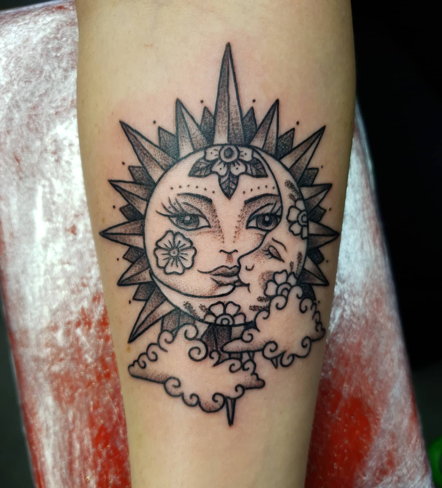Cool one for Sasha from a week or two ago - thank you! Would love to do more like this. Made @studioxiiigallery  . . . suntattoo moontattoo sun moon clouds cloudtattoo dotworktattoo dotwork folkarttattoo traditionaltattoos tradition blackworktattoo blackinktattoo tattoos scottishtattooer edinburgh edinburghtattooer scotland tattoosbyalanross alrosstattoo studioxiiigallery studioxiii