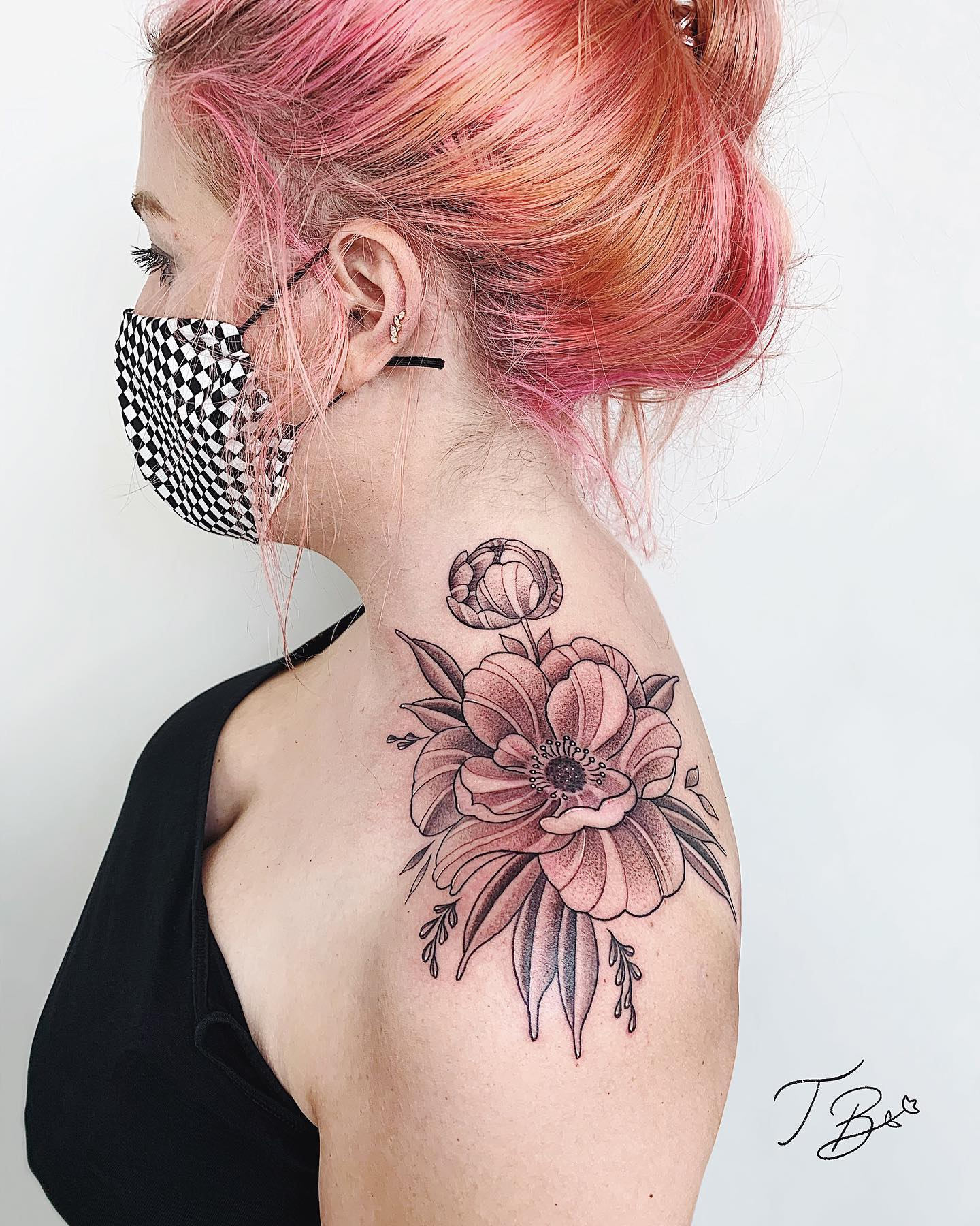 A beautiful shoulder piece from the one and only thaisblanc 🌸 She still has some space this year if you're looking for a delicate new piece 💗💗 feel free to email her through the email link in her bio or contact us through the enquiry form on our website! - https://studioxiii.tattoo/tattoo-enquiry/  - - - -                  totaltattoo