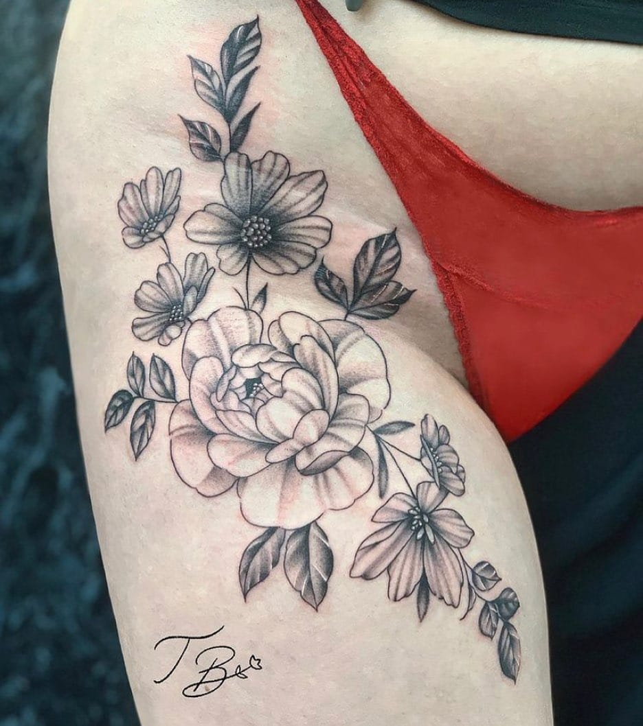 Flower power 🌸...  Cute florals from the lovely thaisblanc   As usual, if you want to get tattooed fill out the tattoo enquiry form out our website!   _____________________________________                             totaltattoo barber_dts easytattoo_uk eternalink dynamiccolor lockdownneedle stencilstuff