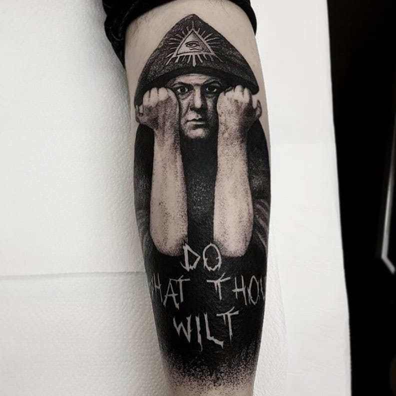 Check out this amazing Aleister Crowley portrait by our lovely  shirleypettigrewtattoos   Shirley would love to do more portraits when we get back to work so get in touch if you want something creepy ! 🖤  💌 - goatskullshirleygmail.com   OR  📧 - Fill out the tattoo enquiry form on our website  ____________________________________                                barber_dts easytattoo_uk eternalink dynamiccolor lockdownneedle stencilstuff