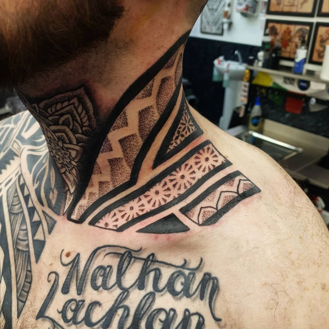 Geometric tribal neck and throat for tough as fuck Keiran kmeeks31 , always blows my mind 🤯💪 thank you bro much appreciated!! Done studioxiiigallery 🙌 . . .